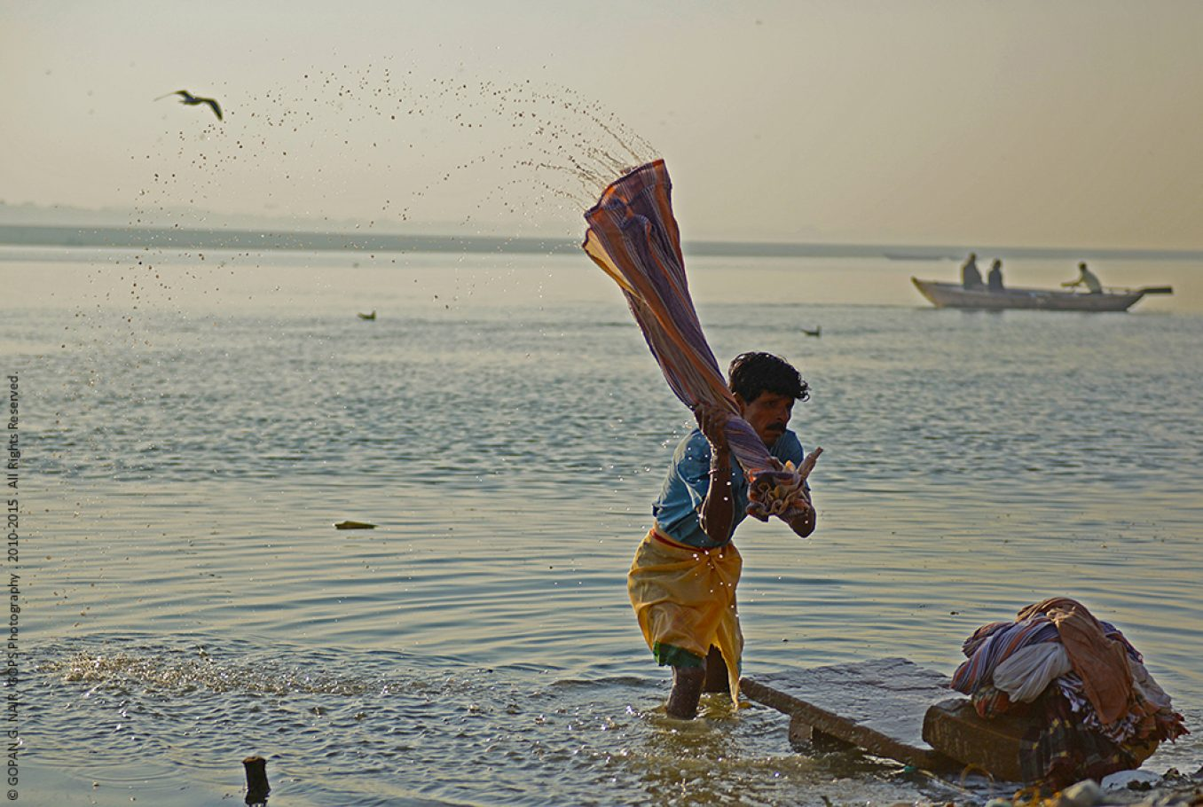 CLEANING YOUR SINS IN GANGA