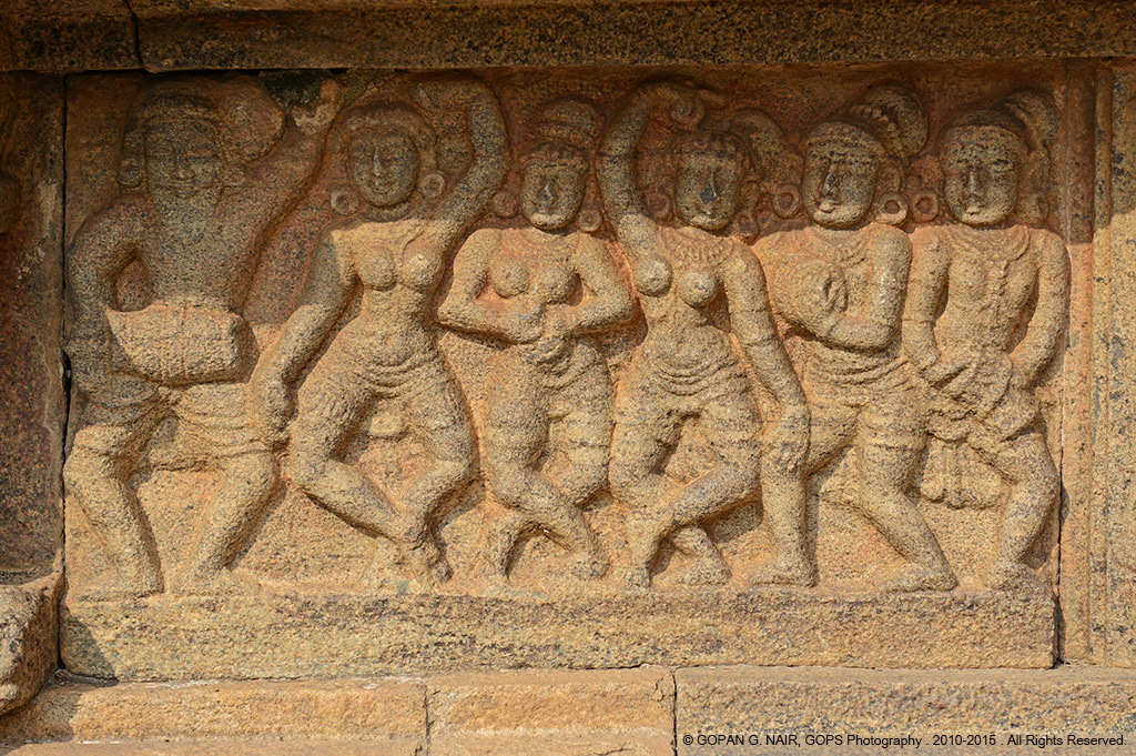 CARVING OF DANCERS ON THE SIDE WALLS OF AIRAVATESVARA TEMPLE AT DARASURAM