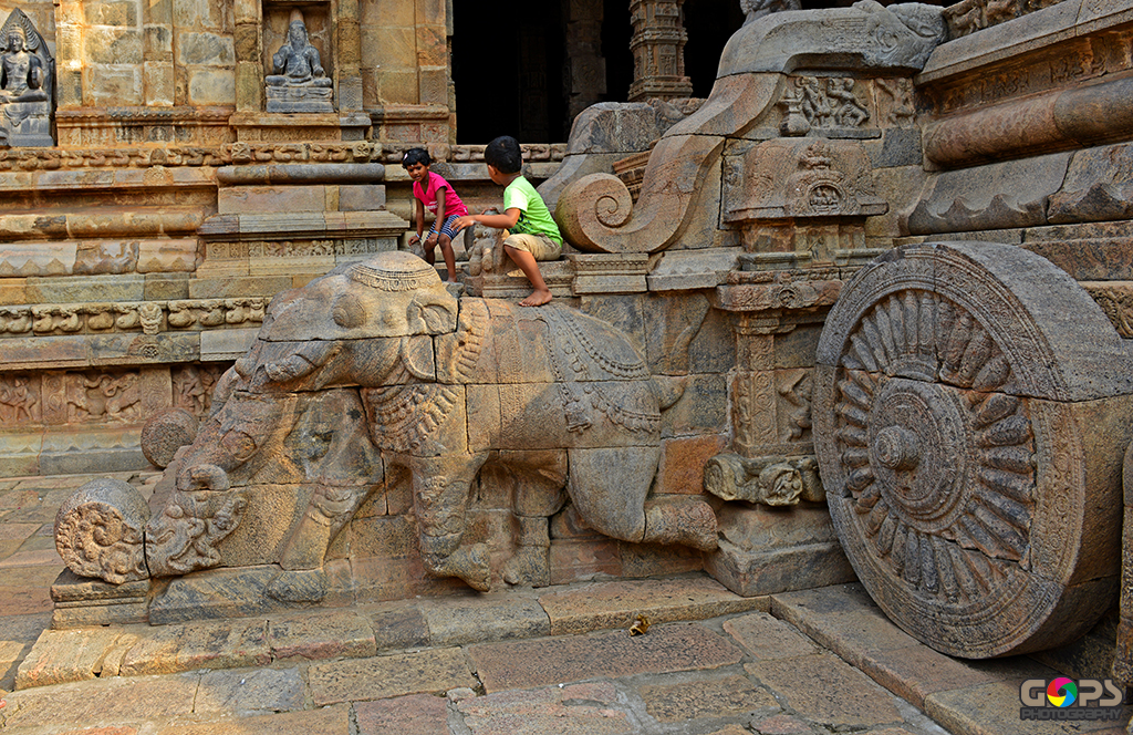 CHARIOT WHEEL CARVED ON THE MUKHA MANDAPA OF AIRAVATESVARA TEMPLE AT DARASURAM