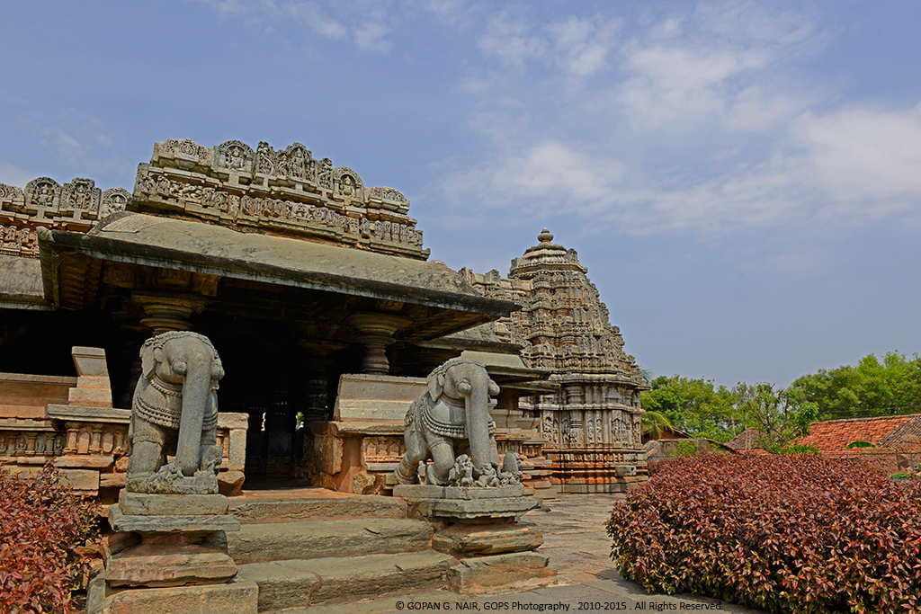 THE GRAND ENTRANCE OF VEERA NARAYANA TEMPLE, BELAVADI