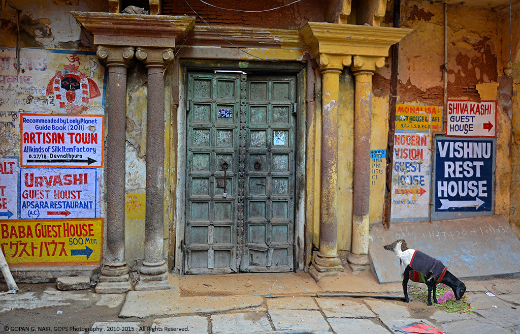A JOURNEY BACK TO THE FORGOTTEN PAST. STREETS OF VARANASI